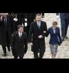 Испанският крал прекъсна посещението си в Париж заради катастрофата